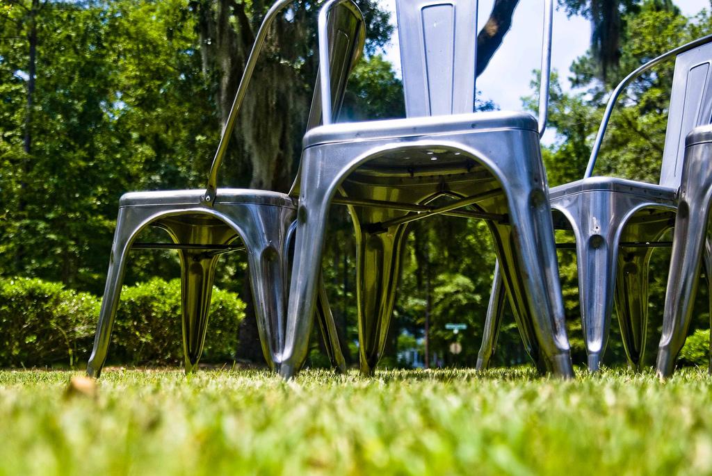 metalic stoel voor industrieel trouwen