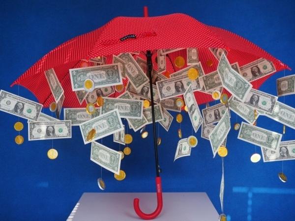 geld paraplu als origineel huwelijkscadeau