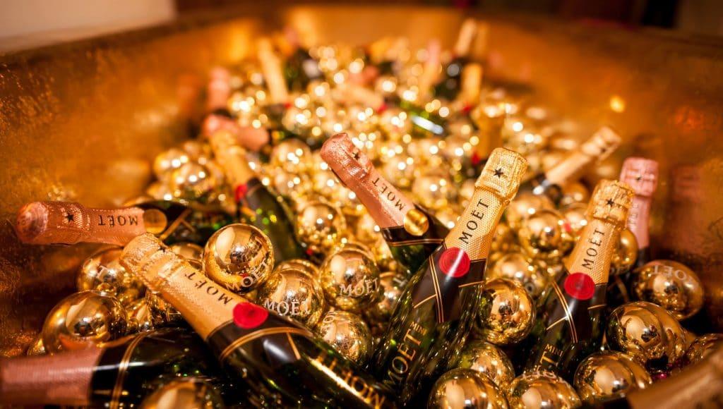 champagne als originele trouwbedankjes